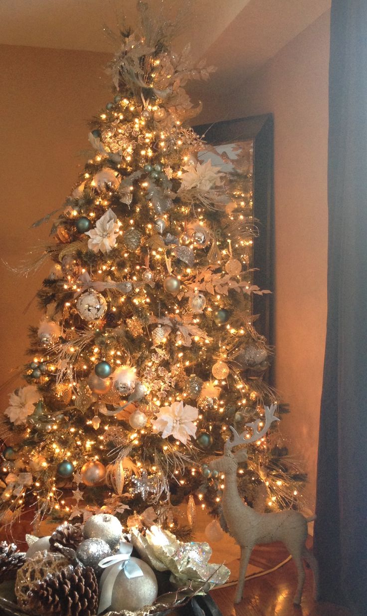 My gorgeous tree this year cream gold silver and white for White silver and gold christmas tree
