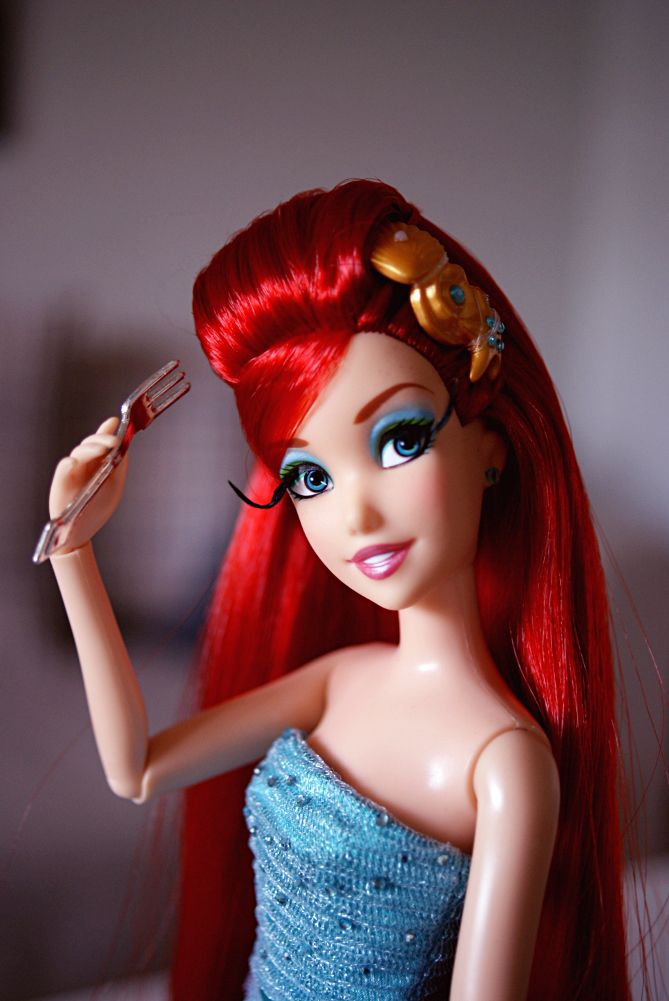 Disney Designer Collection Ariel and a dinglehopper - Disnerd dreams