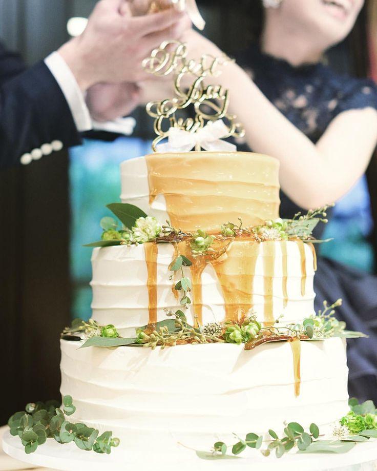 *...#a17wdレポ ケーキはシロップが目立つ様に シンプルなものにしました(^^)* . 和装のベッドや装花と同じ グリーンが置かれています✳︎ . 何回見てもおいしそう . .. ... #ウエディングケーキ #カラードリップケーキ #fgk花嫁 #フォーチュンガーデン京都 #リームアクラ #トリートドレッシング #marry花嫁 #ウエディングニュース #farnyレポ#ハナコレ ... #日本中のプレ花嫁さんとつながりたい  #カラードレス#招待状#結婚式準備 #プロポーズ#wedding#ゼクシィ