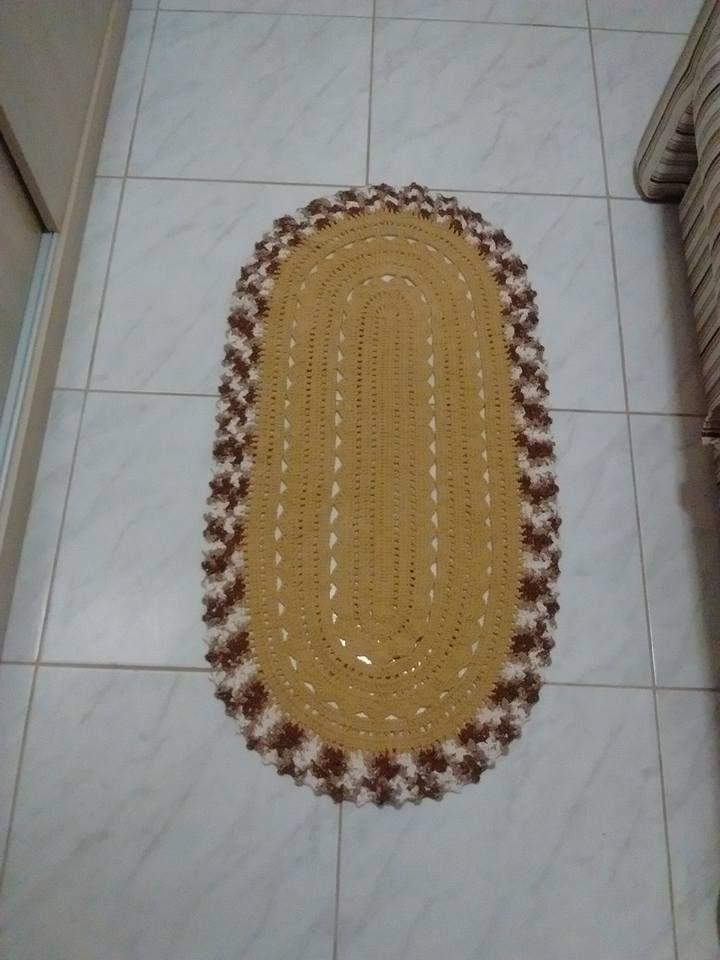 tapete oval com barrado barroco com brilho