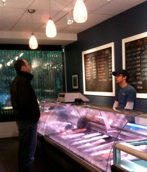 De La Mer Fresh Fish Market