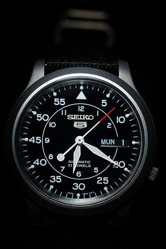 Amazon.com: Seiko Men's SNK809 Seiko 5 Automatic Black Canvas Strap Watch: Seiko: Watches