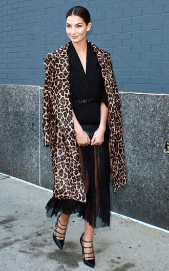 Lily Alridge's Cool Casual Print Fashion Street Style Over-Sized Long Leopard Print Coat With Black Mesh Skirt