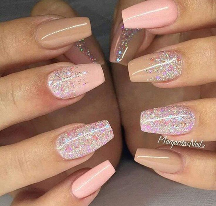 Pin By Harvey Augustine On Pinterest Outfits Holiday Acrylic Nails Holiday Nails Summer Holiday Nails