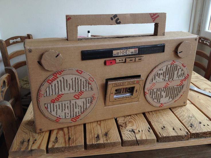 Boombox en carton Birthday box