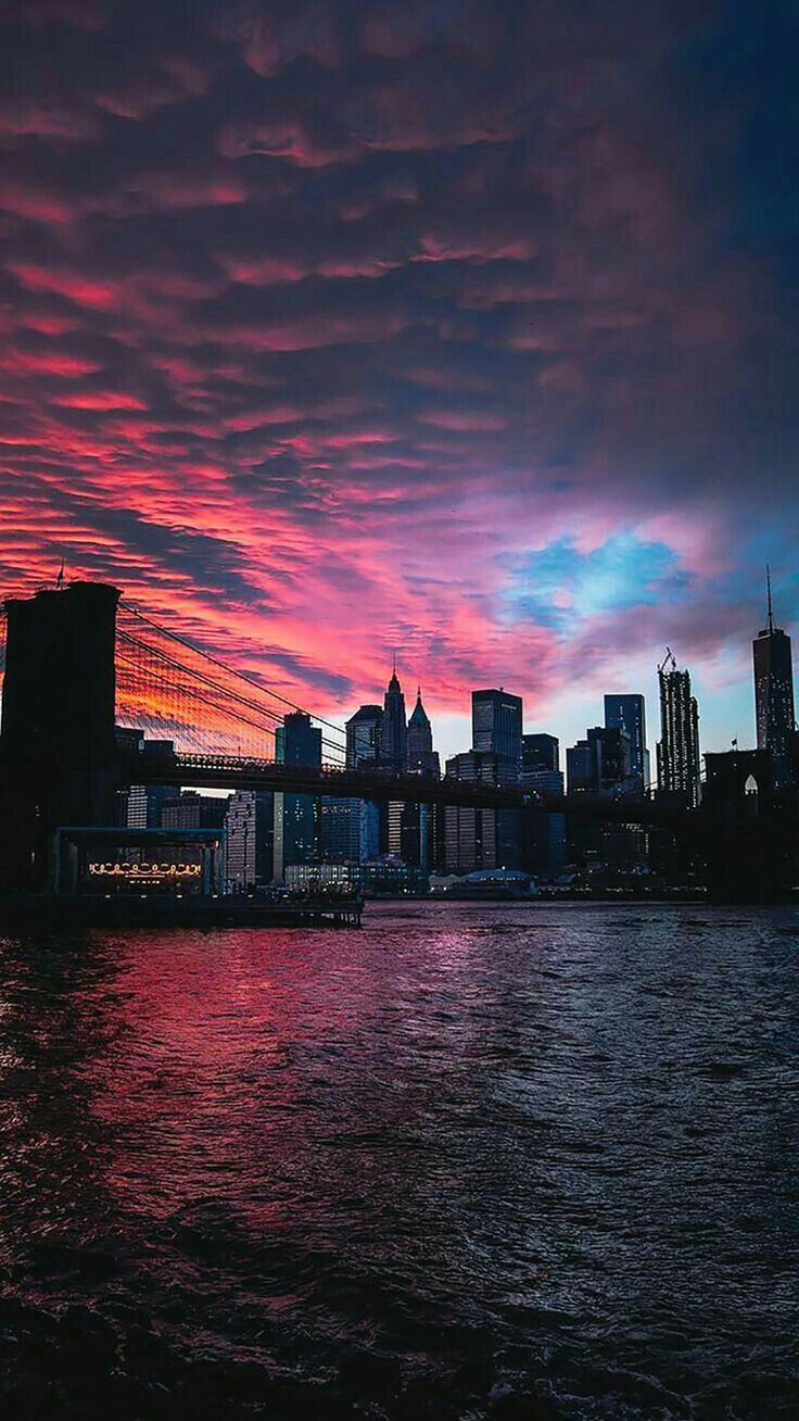 Gorgeous Sunset With Red Orange Blue Sky Colors Downtown City High Rise Buildings Skyscrapers Stadt Wallpaper Landschafts Tapete Wallpaper Bilder