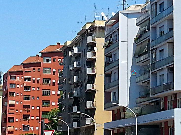 Anche se in leggera frenata, i dati dell'Agenzia delle Entrate sul primo trimestre 2017 parlano di compravendite in crescita. #dariodortaimmobiliare #immobiliare #realestate #OMI #compravendite