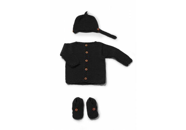 A black sweater - 100% extra merinos wool