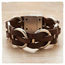 In The Loop Bracelet