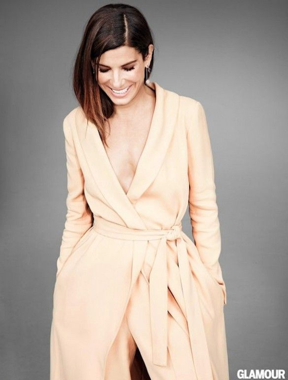 Sandra Bullock // nude belted coat & matching pants #style #fashion #celebrity