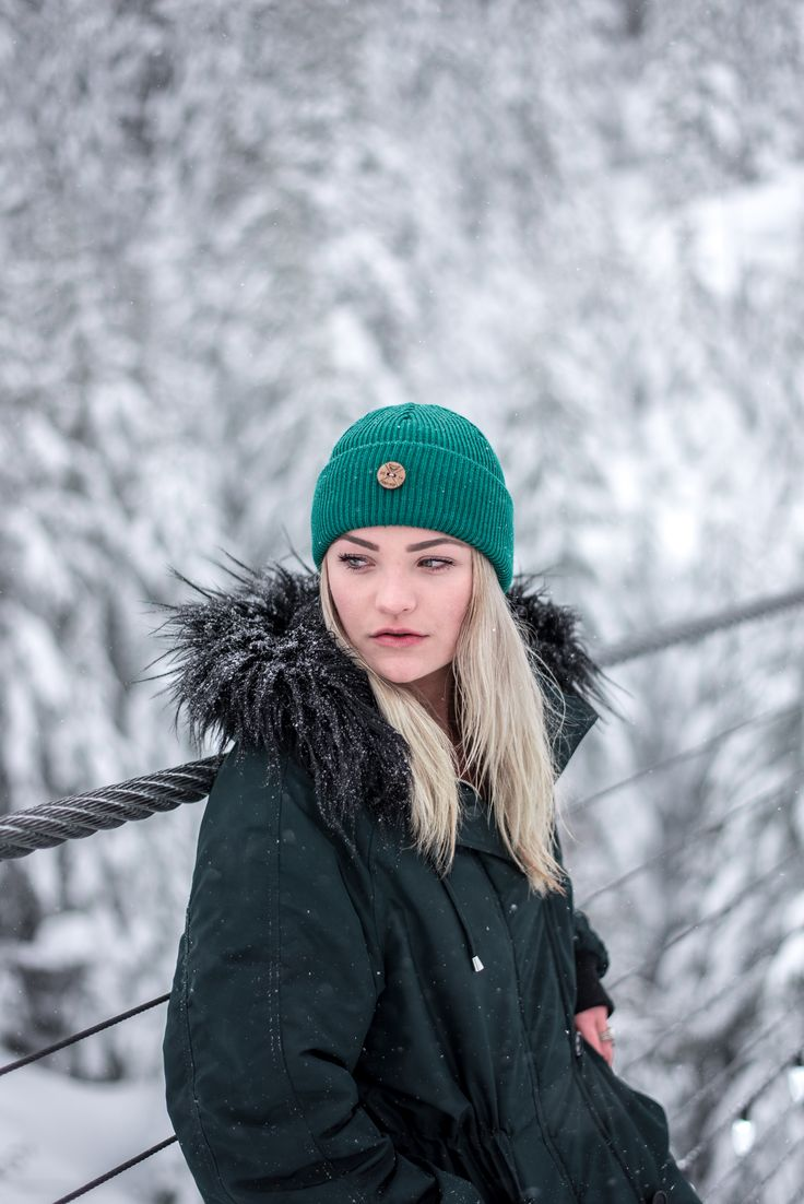 Hipster hiking outdoor outfit for Women. Winter wonderland look with a wool beanie for women.