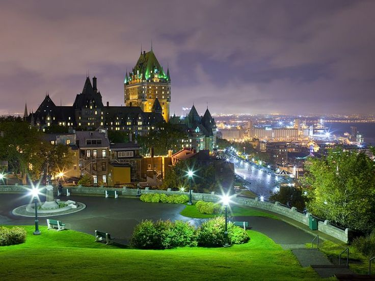 Follow our guide to the top 10 things to do in the fairytale-like city of Quebec including museums, cuisine, arts history and culture.