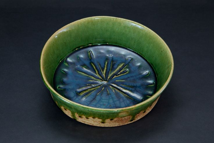 織部刻文鉦鉢 Bowl with engraved, Oribe type	2012