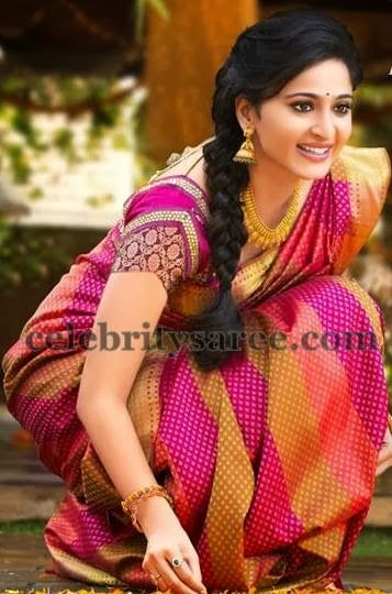 Love this saree! And Anushka!