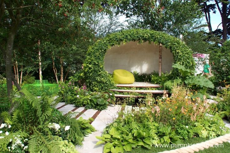 Designed to feel like a modern woodland, The Macmillan Legacy Garden had a very special and inspiring feel.