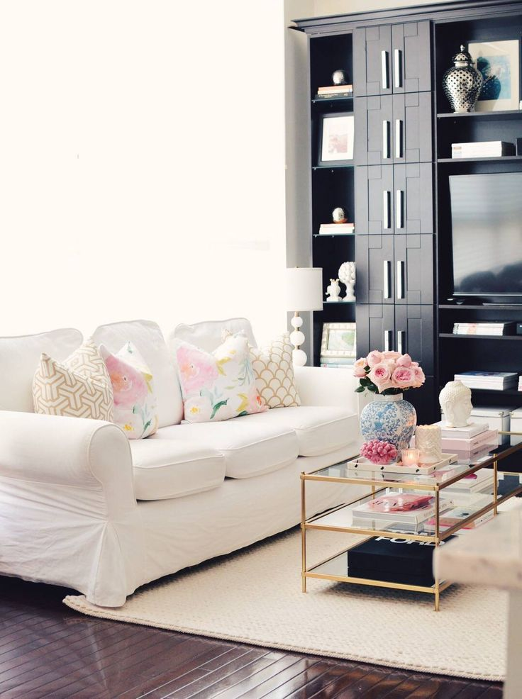 17 best ideas about floral couch on pinterest floral - Floral country living room furniture ...