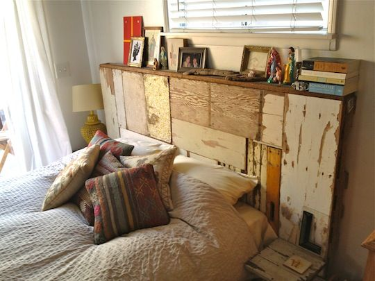 Diy recycled wood bed head home motivations for Recycled headboards