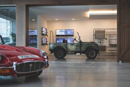 Jaguar Land Rover abre una nueva sede para restaurar sus clásicos