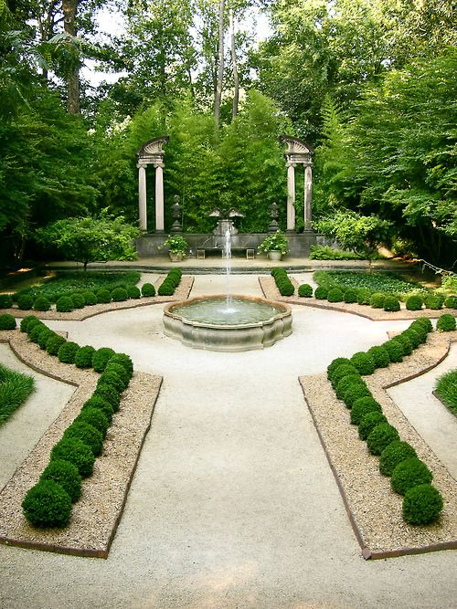 atlantahistorycenter:    Boxwood Garden, Swan House