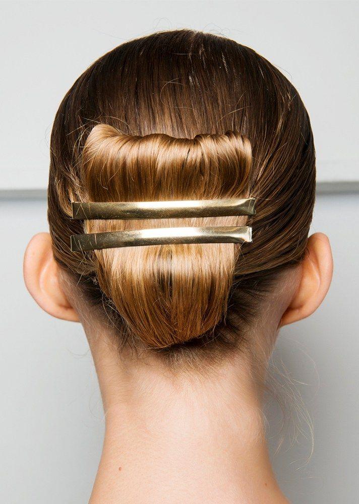 28 Fresh Hair Ideas to Copy in 2017 - Gold Barette