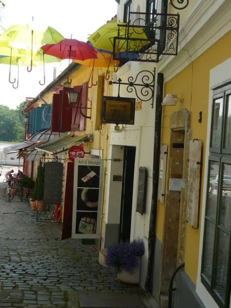 Floating umbrellas in Szentendre, Hungary Lebegő esernyők Szentendrén