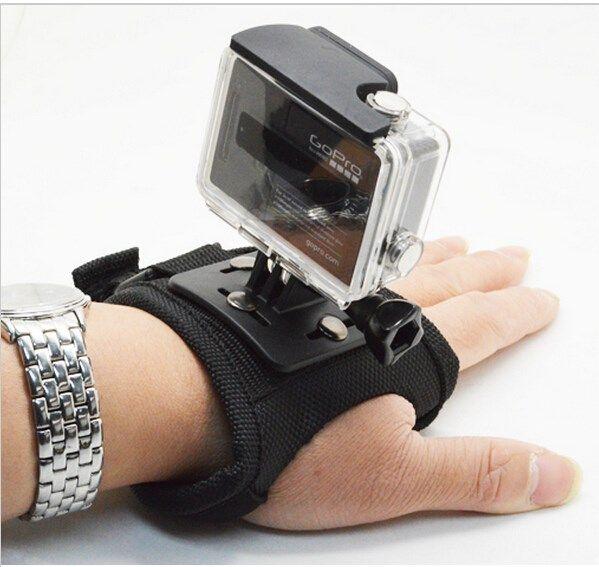 Guante/Muñequera Para Cámaras Estilo GoPro GP127L - http://complementoideal.com/producto/guantemunequera-para-gopro/  - Guante Mount Correa para todas las GoPro Características del producto 100% nuevo y de alta calidad. Adecuado para  GoPro Cámara Hero. Protege el dispositivo de plano contra la palma de su mano o muñeca, conveniente para la grabación. Mayor tamaño, diseño ajustable, compatible con todas las perso...