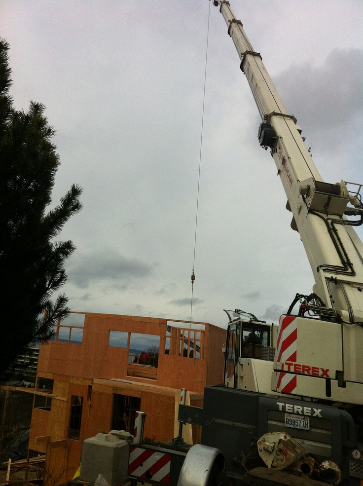 Craning in Steel for 3rd Fl