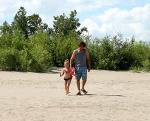 NATIONAL FATHER DAUGHTER TAKE A WALK DAY – July 7 | National Day Calendar