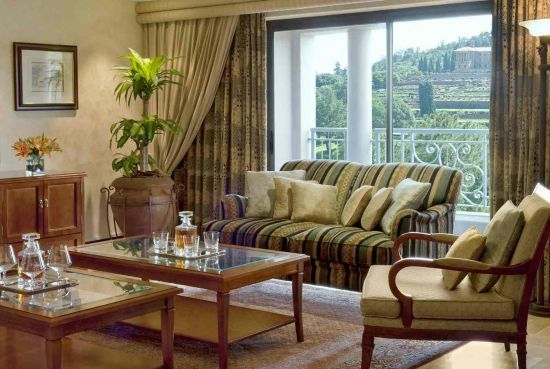 Presidential Suite - Living Room - Sheraton Pretoria Hotel