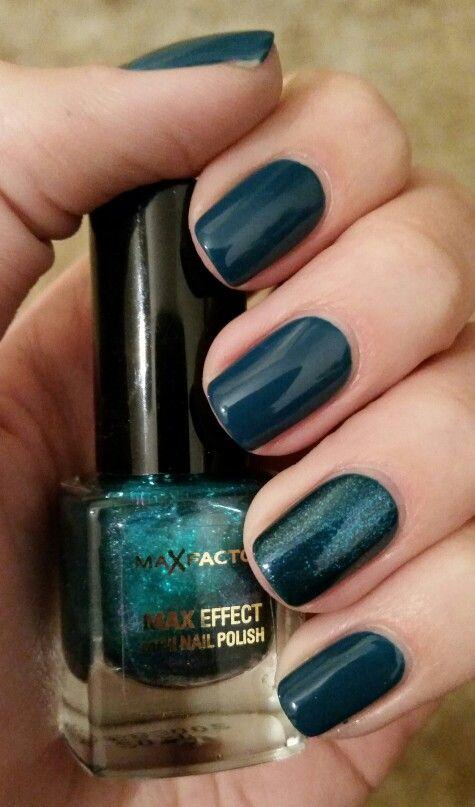 Deep sea green nails - Farmec Base Coat, Farmec Nail Polish in no. 39, Max Factor Max Effect Nail Polish in no. 44 Graffiti for the accent nail, and Nails inc. Caviar Top Coat