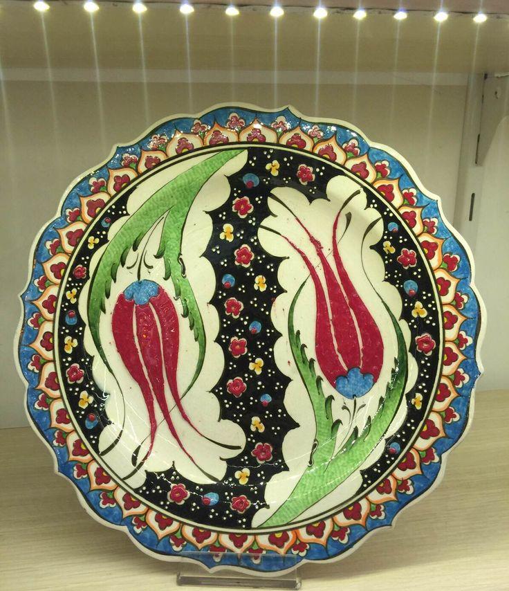 LARGE TURKISH CERAMIC PLATE, FLORAL FIGURES 25 CM, TURKISH CHINI PLATE, IZNIK CHINI PLATE