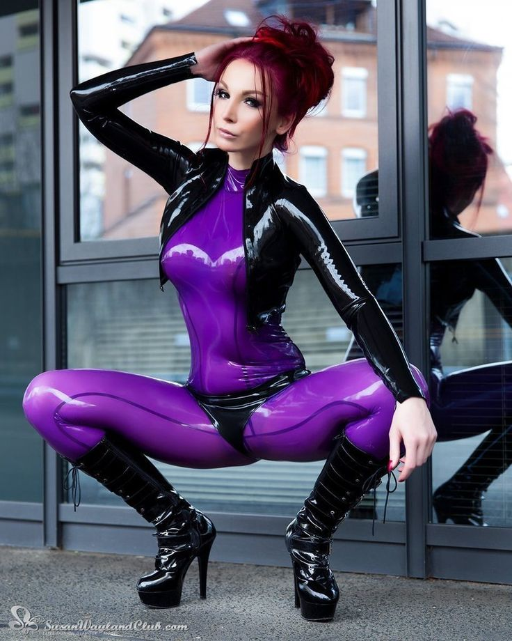 Babes in rubber movies — photo 6