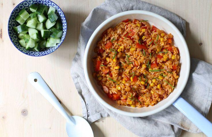 Snel rijstgerecht met bonen en spekjes