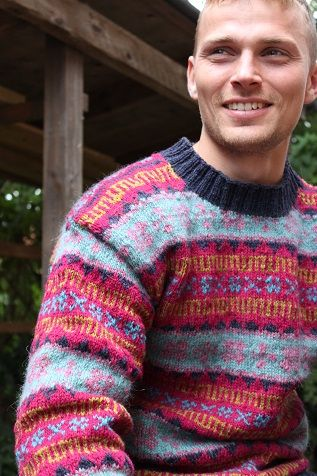 Faroese Jumper Knitting Patterns : 89 best images about Faroese Stranded Colorwork on Pinterest Traditional, W...