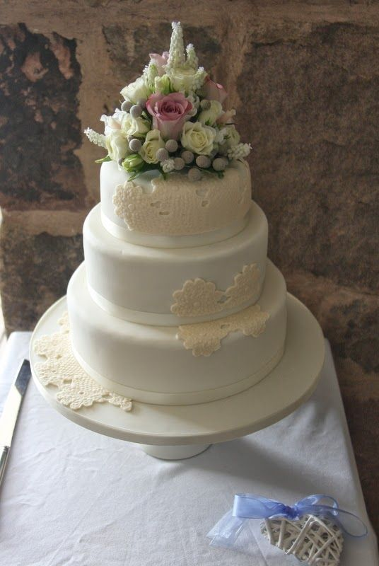 Cake Decorating Beeston : 12 best Get Inspired: Corsages images on Pinterest