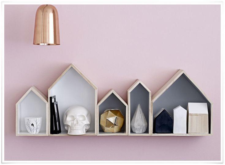 on craque pour cette jolie id e des casiers en forme de maison pour d corer et ranger vous. Black Bedroom Furniture Sets. Home Design Ideas