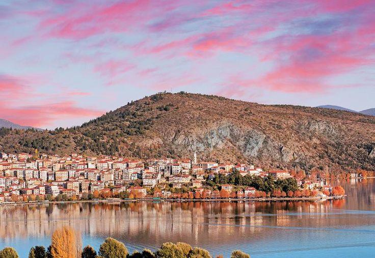 Αποψη της πόλης και της λίμνης Ορεστιάδας.