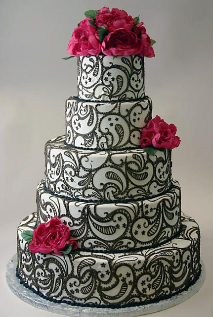 Black-and-white henna cake with fuchsia peonies by Konditor Meister Elegant Wedding Cakes.