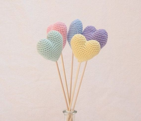 Crochet pastel hearts bouquet (set of 5 light pastel colors) - Crochet wedding decorations - Birthday party table decoration