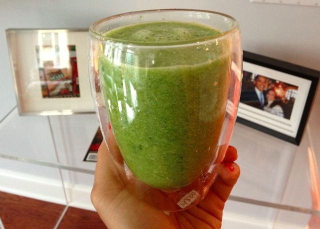 The Green Smoothie That Made the News on http://foodbabe.com  *Click on photo for more delicious organic recipes from Foodbabe.com *  Organic dinner ideas, organic recipe ideas, organic living, real food recipes, whole food recipes, clean eating, healthy food, healthy dinner ideas