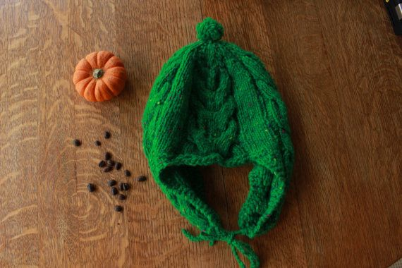 Green cabled toque  green cabled hat  hat with by SoppyKnitsStuff