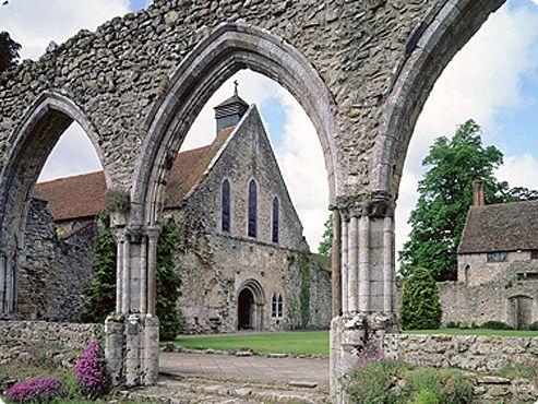Visit Beaulieu Abbey & the National Motor Museum - Hampshire, England