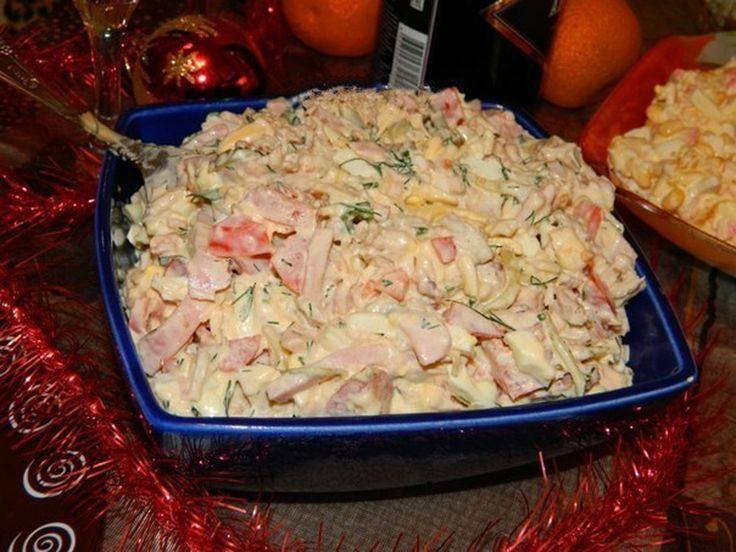 Salata cu piept de pui este cea mai buna din lume. Eu o fac frecvent nu numai la ocazii.