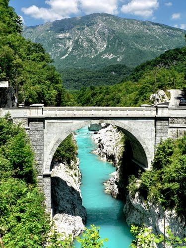 Napoleon Bridge, Kobarid, Slovenia Left and right banks of the Soča River near Kobarid, where the gorge is narrowest , is already in ancient times by a bridge . In 1616, the Venetians demolished wooden bridge . The old Napoleon Bridge , enoločen made ​​of stone was built in 1750. According to him the Napoleonic troops marched to Predel , hence the name .