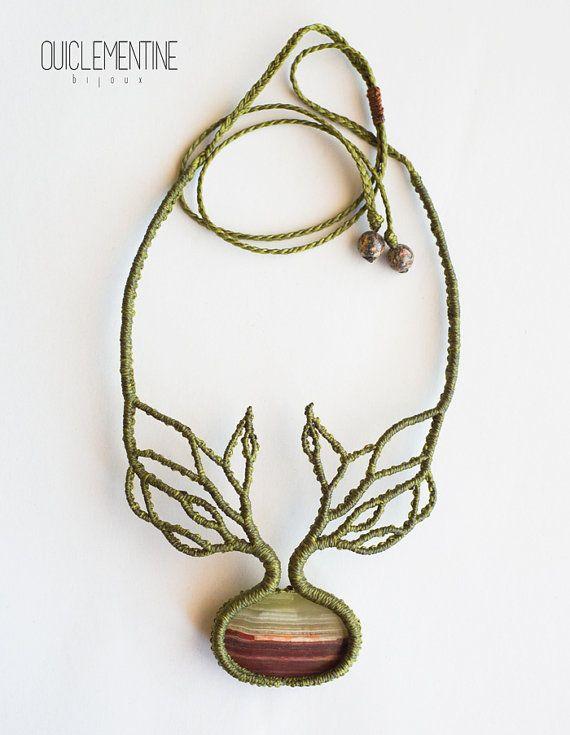 Collar árbol y raíces, collar elfo hecho a mano, collar de macramé rústico verde, collar elfo con ramas de árbol, gema marrón y verde