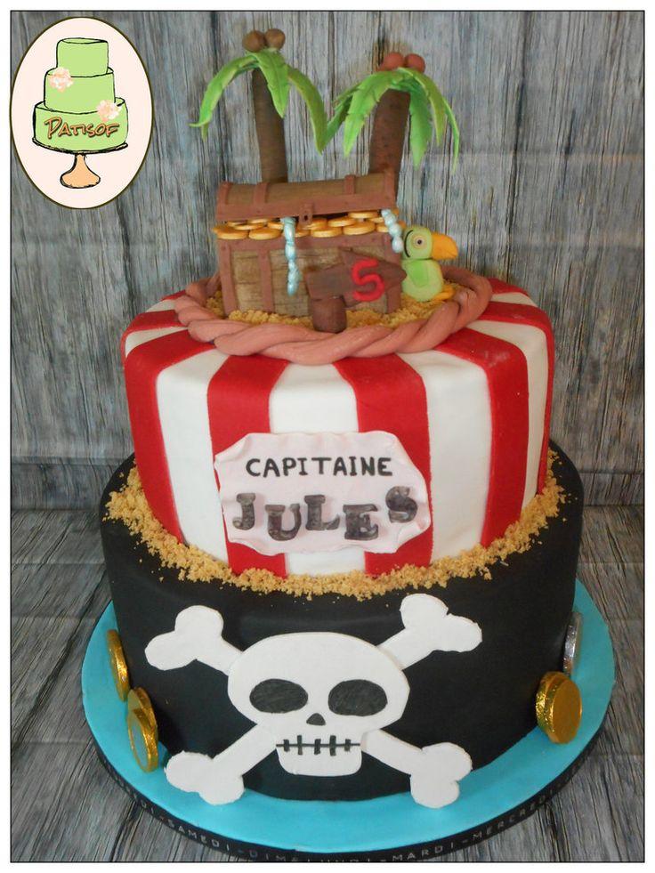 Gâteau Pirates ! pour l'anniversaire de Jules ! Déco faite à la main, en pâte à sucre !
