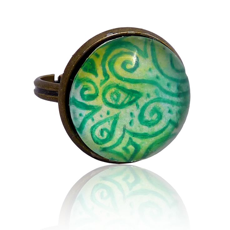 Green field – ring painted with a hand