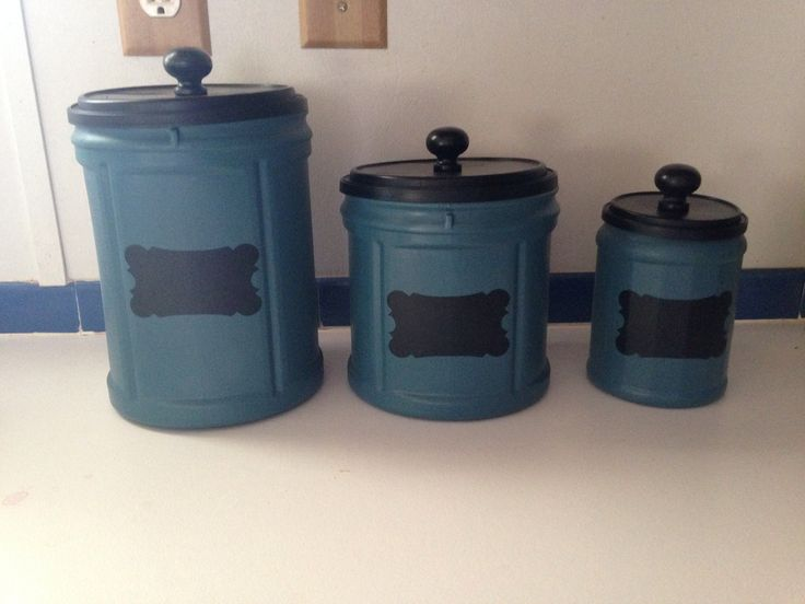 Upcycled plastic Folger's coffee cans and made beautiful canisters with chalkboard labels.  Upcycled_Diva