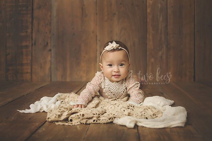 Jenifer of two bees photography is one of the best long island newborn photographers book your in home newborn session today