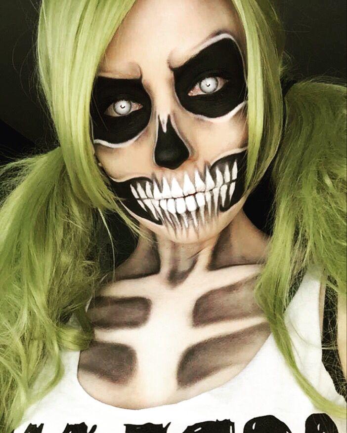 Skeleton makeup. Scream queen. Scary Halloween makeup.
